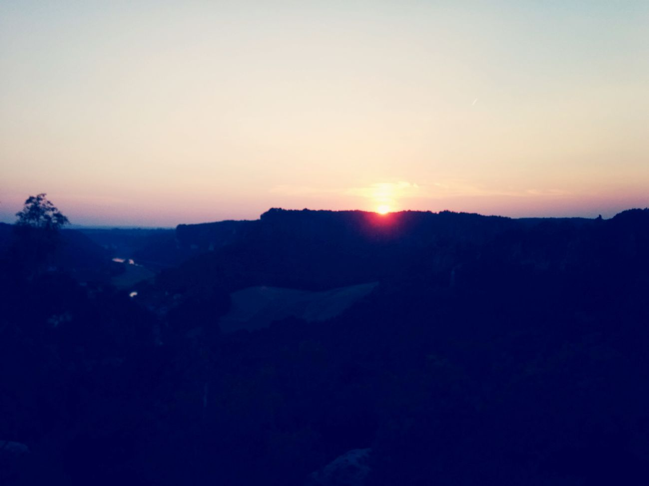 Taking Photos Sunrise Beautiful Nature Dreaming