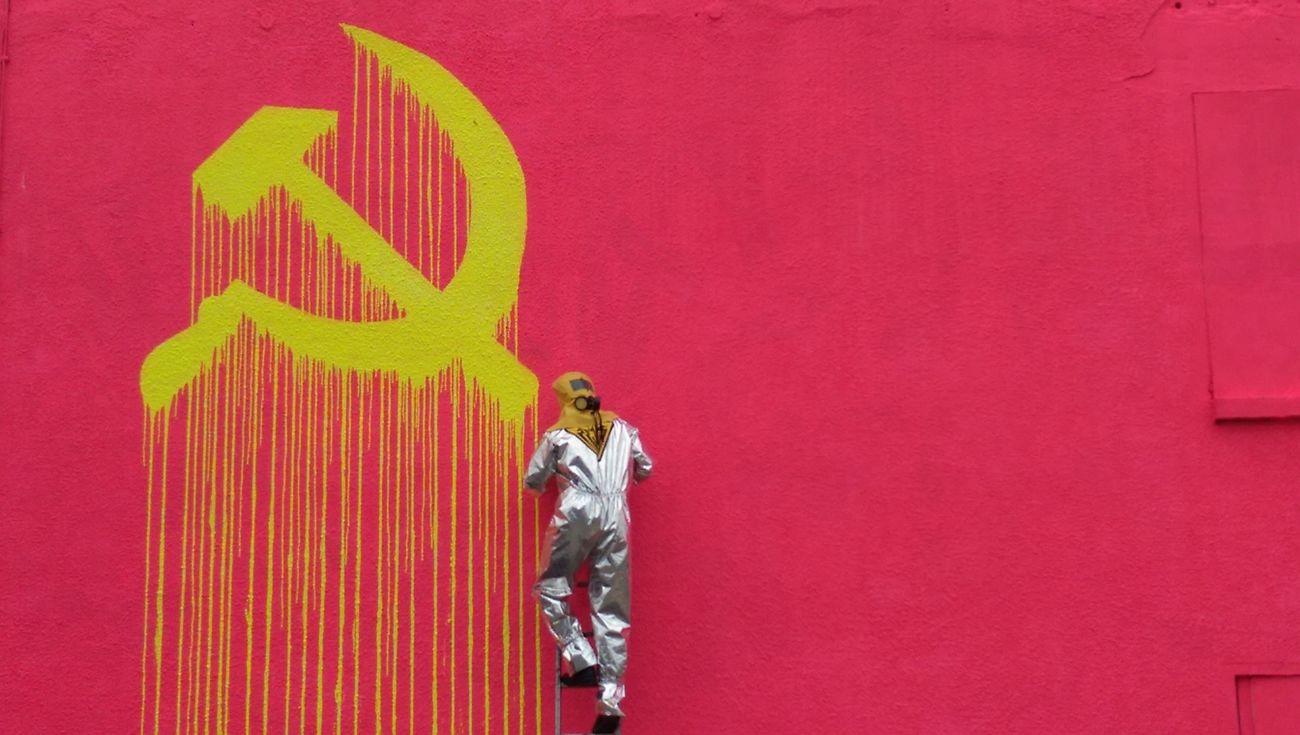 Zevs Sowjet Union liquidiert Urban Contemporary Art Warschauer Straße Intervention 09-11-2014