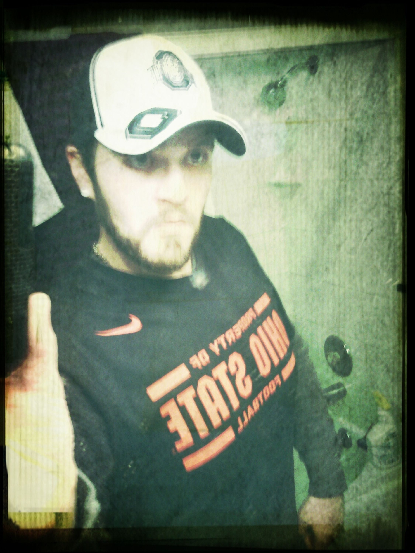 Gobucks .... #ohiostate Ohiostatebuckeyes Collegefootbal #thebest and, no, i dont have a black eye, just crap lighting #gobucks