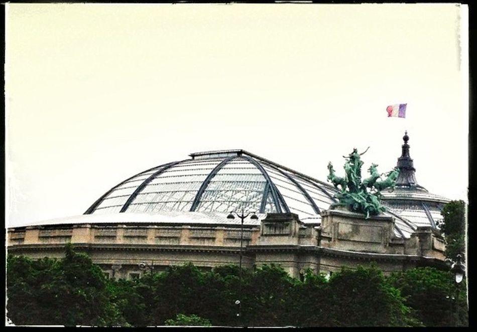 Juste avant le déluge... Mood Of Paris... Beautiful Paris... Enjoy Paris !