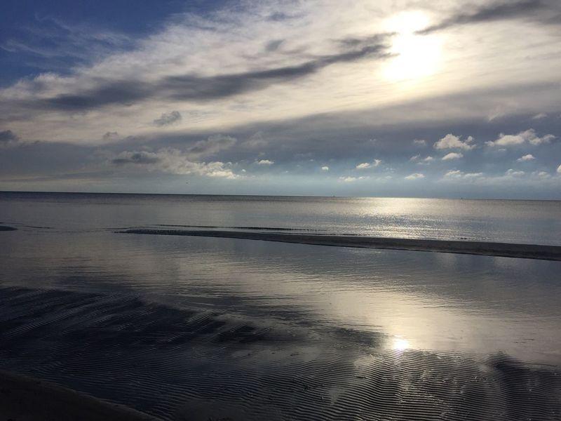Morgenlauf Sea Water Horizon Over Water Tranquil Scene Scenics Tranquility Reflection Beauty In Nature Beach Sky Idyllic Sun Seascape Calm Nature Cloud - Sky Cloud Ocean Coastline Non-urban Scene