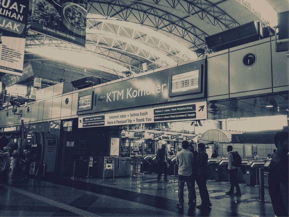 Station Stationary Crowd Waithing Photo Blackandwhite Blackandwhite Photography