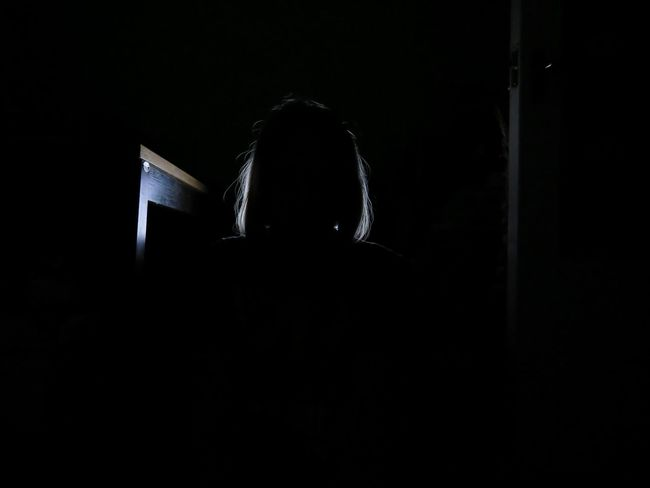 Adicted Computer Dark Darkroom Indoors  Internet Addiction Lifestyles Light Source Sitting Watching