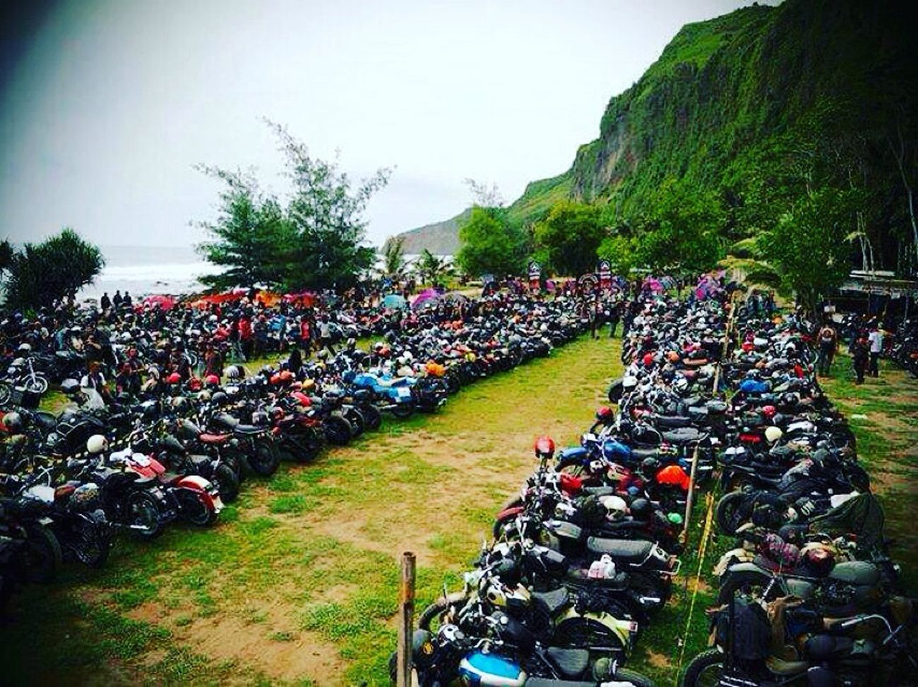 Hanging Out Hello World Sacred Run Bikers Brotherhood Mc Bikers Brotherhood Mc INDONESIA Enjoying Life Menganti Beach Classic Motorcycles Harleydavidson Birmingham Small Arms