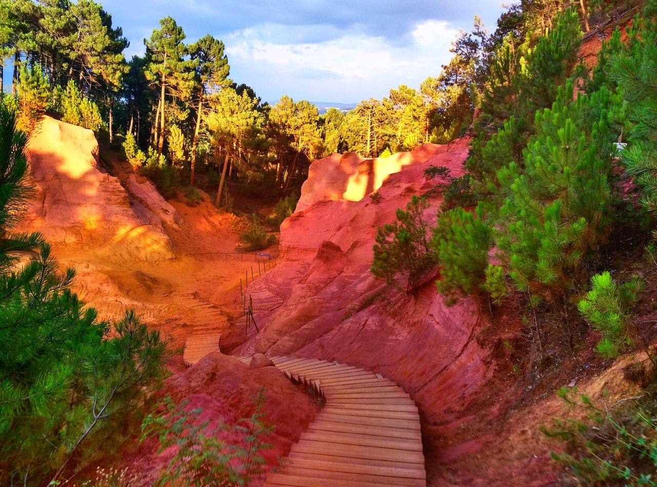 Adventure Buddies Adventure Nature Friends Walking Nice Views Relaxing Wiew Breathtaking Ochre Paradise Beautiful Place Stairs Trees France Natural Beauty