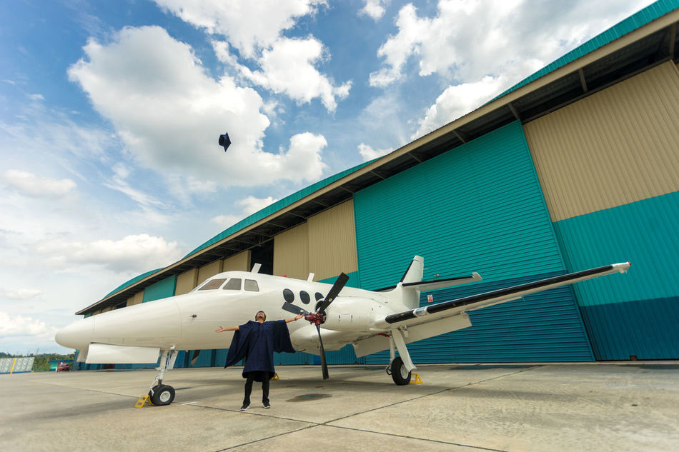 Beautiful stock photos of abschluss, airplane, transportation, flying, sky