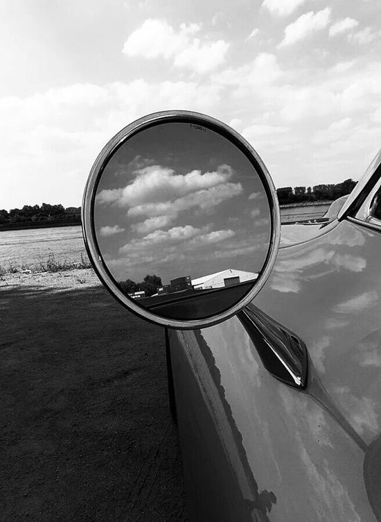 Gernsheim Monochrome Corvette Perspective