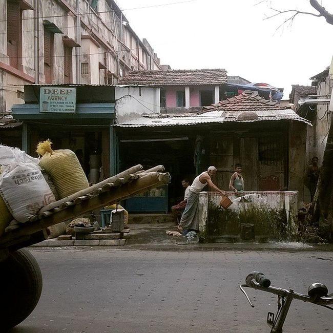 Ic_thestreets Streetphotography Streetlife Everydayindia dailylifeindia incredibleindia indiapictures indiaphotos desi ip_asia ip_world India indian everydayeverywhere dailylife