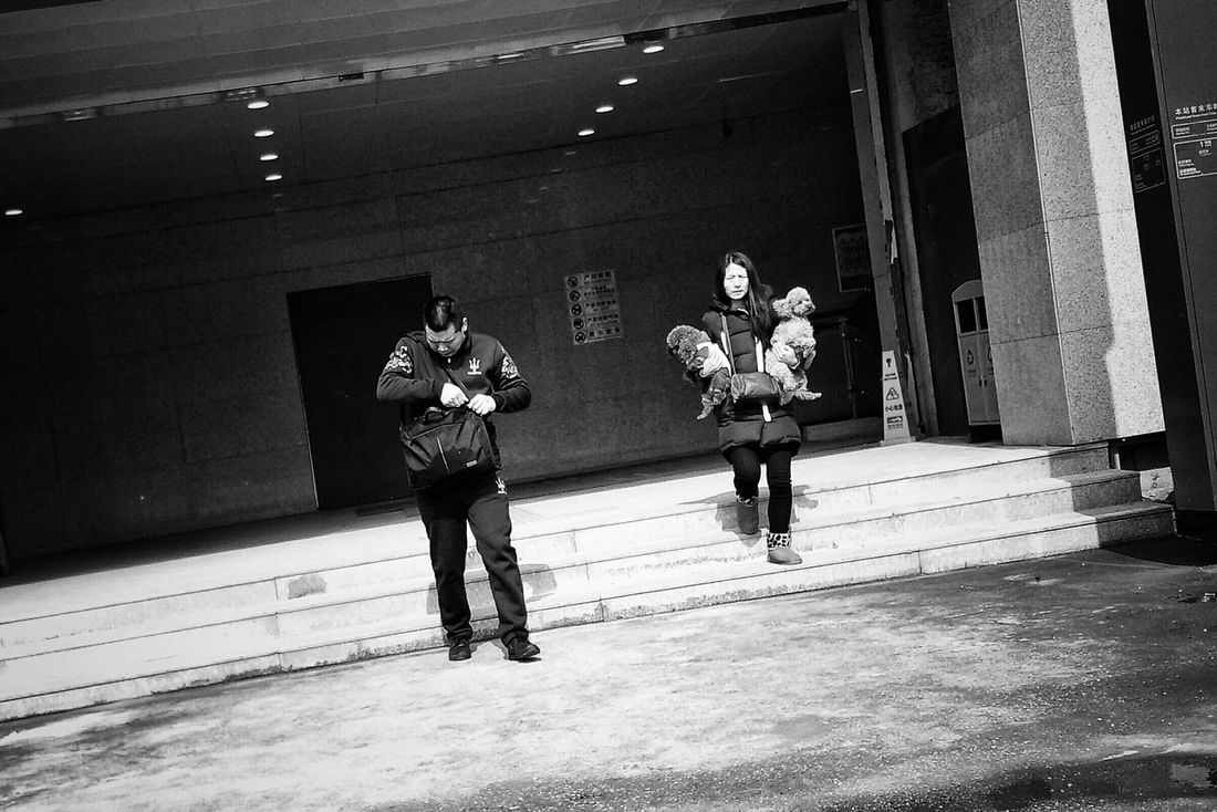 Streetphotography Everybodystreet Mirrorless Pastel I Love My City Faces Of The World I Like My City Black & White Evrybody Street Faces Of EyeEm Enjoying Life Sweter Pink