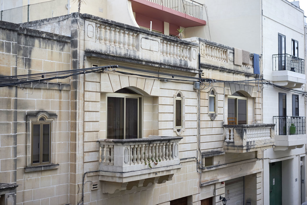 architecture, building exterior, built structure, window, balcony, no people, city, residential building, outdoors, day