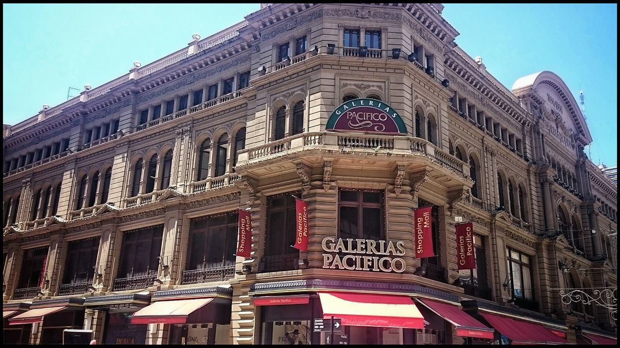 Galerias Pacifico, Buenos Aires, Argentina. Hanging Out Taking Photos Hello World Enjoying Life Check This Out Urbanphotography Urban Architecture EyeEm Pattern, Texture, Shape And Form Photography Travel Argentina Travelphotography Sony Buenosaires Mall Architecture_collection Eye4photography  Architecture Architecturephotography Walking Around From My Point Of View Calle Florida Pattern Walking Around The City