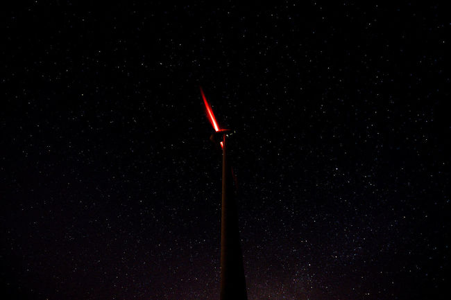 a simple red light... Flash Long Exposure Sky Starry Sky Starwars The Red Series UFO Windpark Windrad