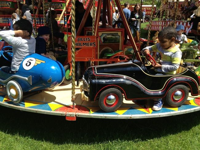 Beep, beep!!! Fabulous vintage fairground car ride at Carters Steam Fair on Peckham Rye, London! Kids Vintage Vintage Cars Eye4photography