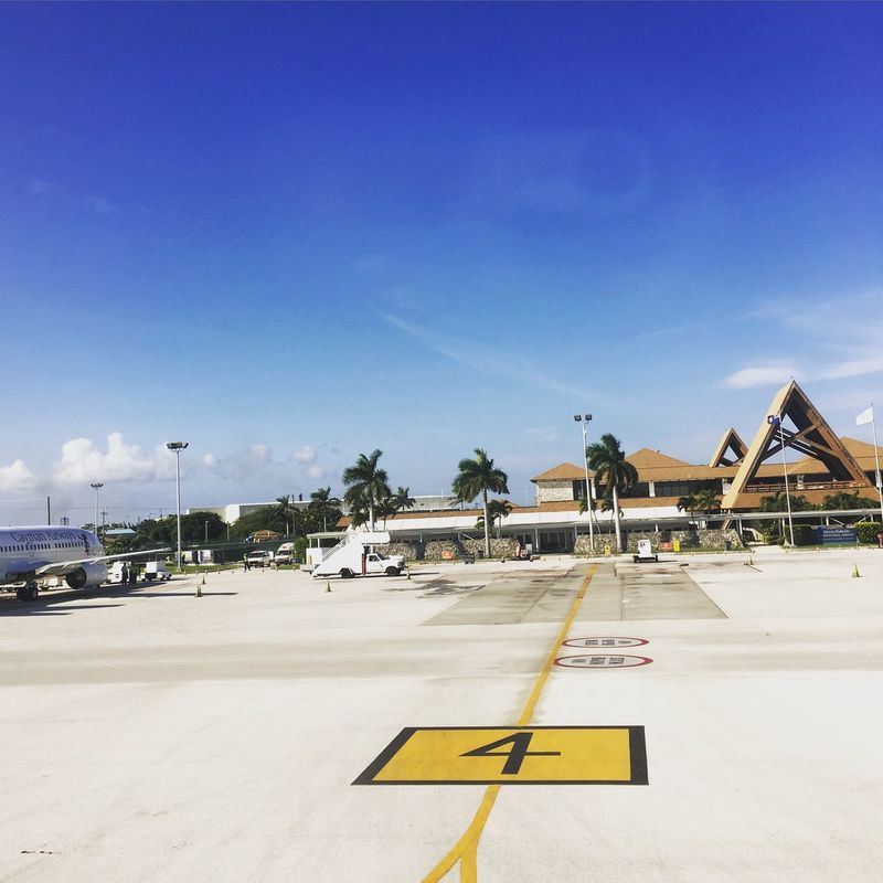 Airport Traveling Caymanislands Grand Cayman Island