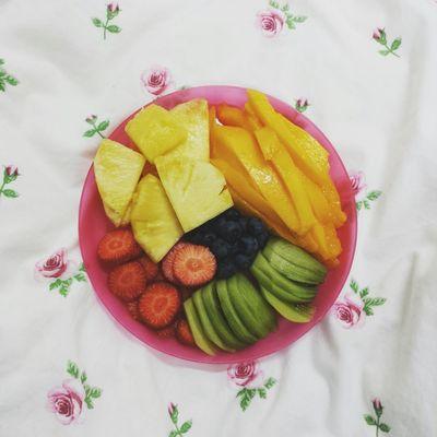 Snack Fruit Blueberries Strawberry Mango Pinapple Kiwi
