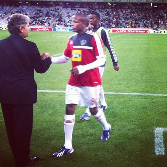 A good luck handshake for the CEO warm up done 15mins to KO @ajaxcapetown @orlando_pirates Absapremiership Psl Ajaxctfans Instasport soccer football worldfootball gameday