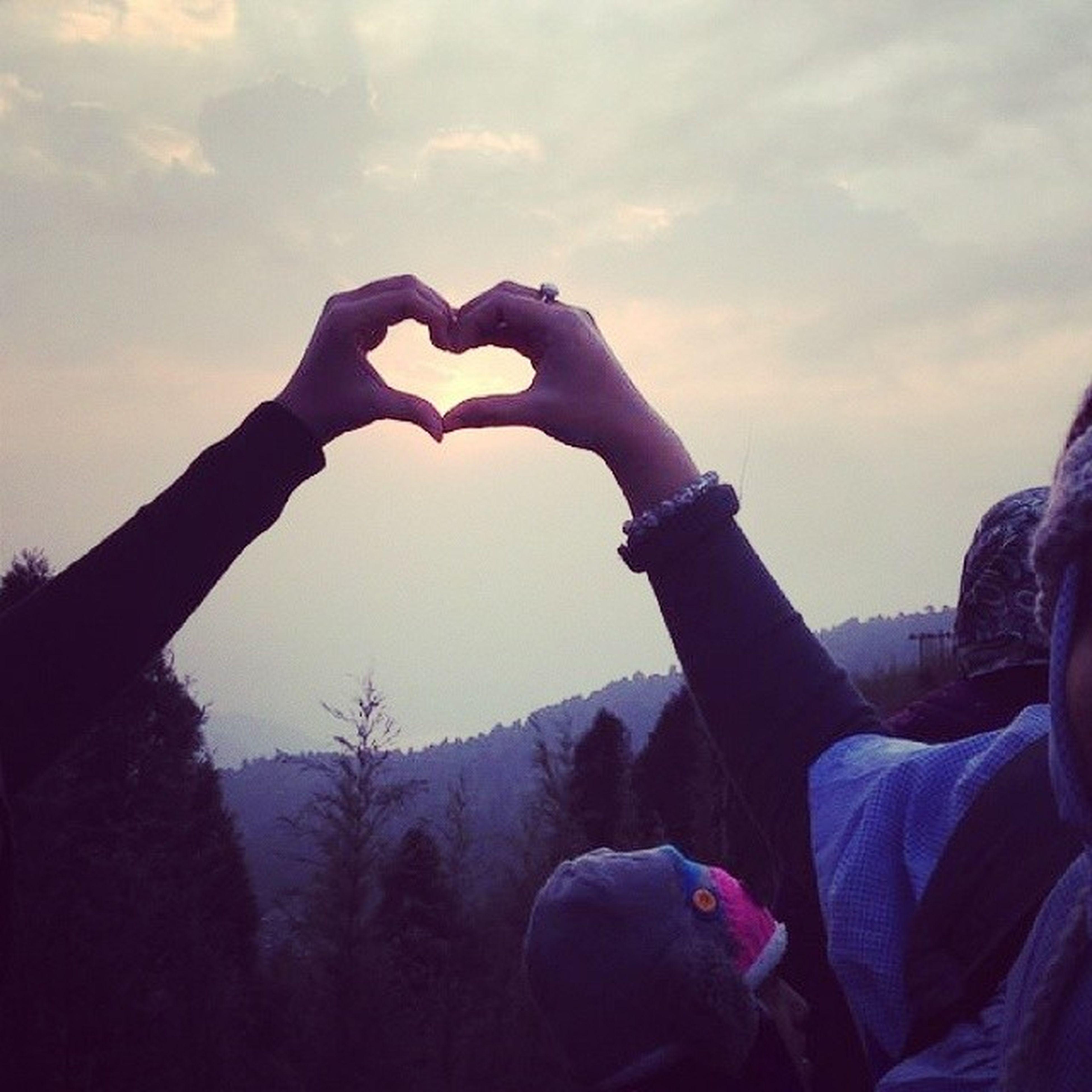 in love with Darjeeling! Heart Iheartdarjeeling Wanderlust Sunrise Eastindia