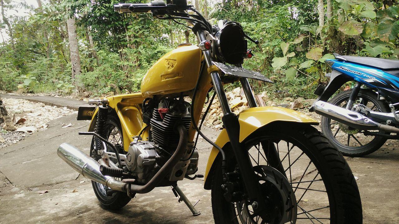 Cb Honda Cb Racing Custom Bikes Yellow Bike Indonesia_photography Msetyoko Caferacer Jogjakarta First Eyeem Photo Two Is Better Than One