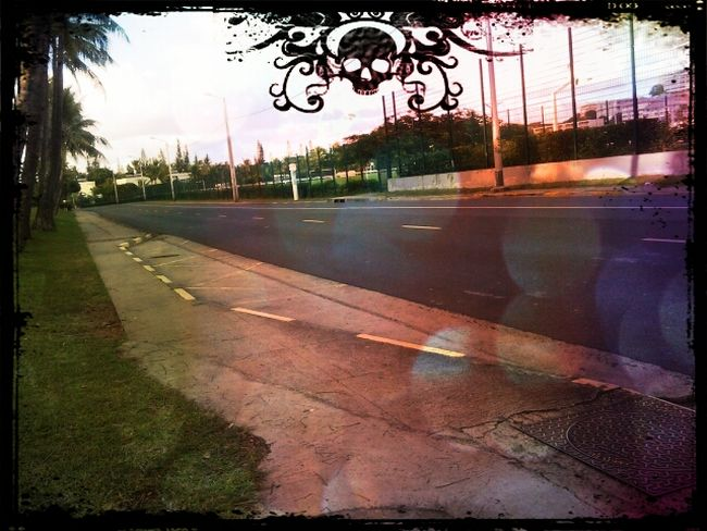 en attendant le car Waiting For The Bus Morning