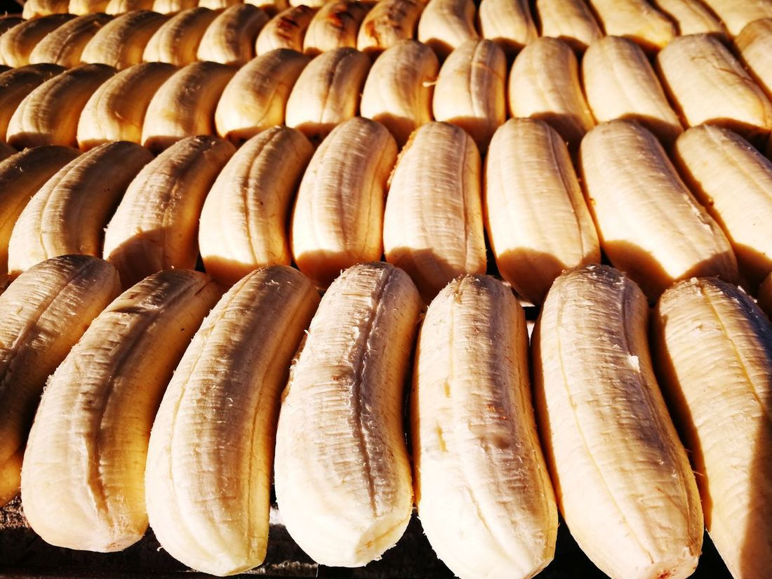 Large Group Of Objects Market Streetfood Fleamarket Banana Roasted Banana Grilled Banana Freshness In A Row Healthy Eating Food And Drink Food Backgrounds Retail