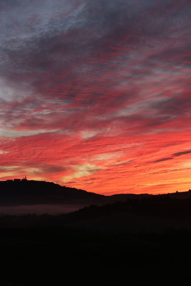 Dawn in Val D'Orcia, Tuscany. No filter, absolutely real colors. Hello World Enjoying Life Clouds Sky Hills Val D'orcia Light Landscape Tuscany Light And Shadow Hills, Mountains, Sky, Clouds, Sun, River, Limpid, Blue, Earth Colors Fog Amazing Landscape No Filter Dawn Clouds And Sky Darkness And Light Country Countryside Nature Atmospheres Charme Lights And Shadows Pienza (toscana)