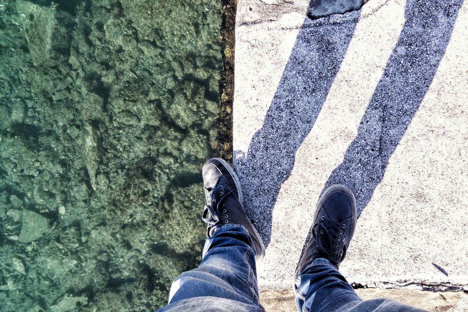 Walking Around Seaside Man Balance Equilibrium Equilibrio