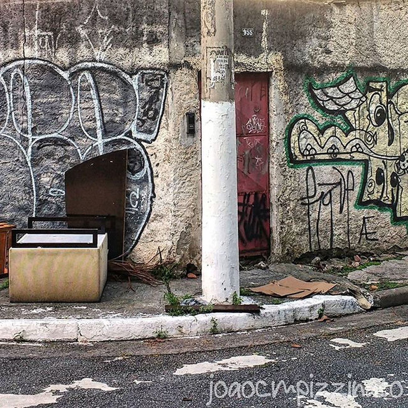 Graffiti Graffitiart Art Streetart UrbanART Streetphotography Urban Streetphoto_brasil Colors City Zonasul Saopaulo Brasil Photograph Photography Urbexbrasil Urbexsp Nasruasdesp011 Mundoruasp Olhonaruasp Flaming_abstracts