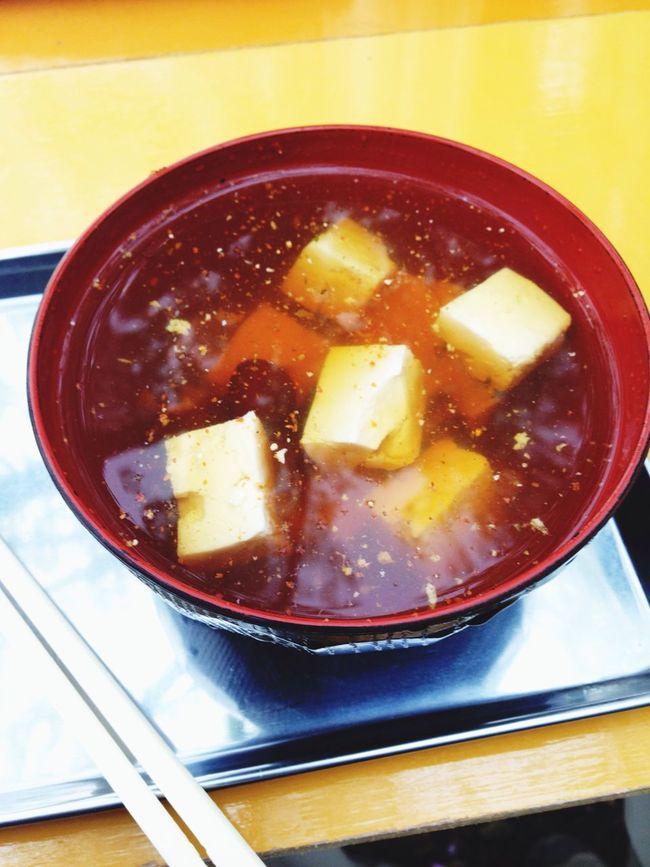 名物なめこ汁で温まります。 Takao Mountain