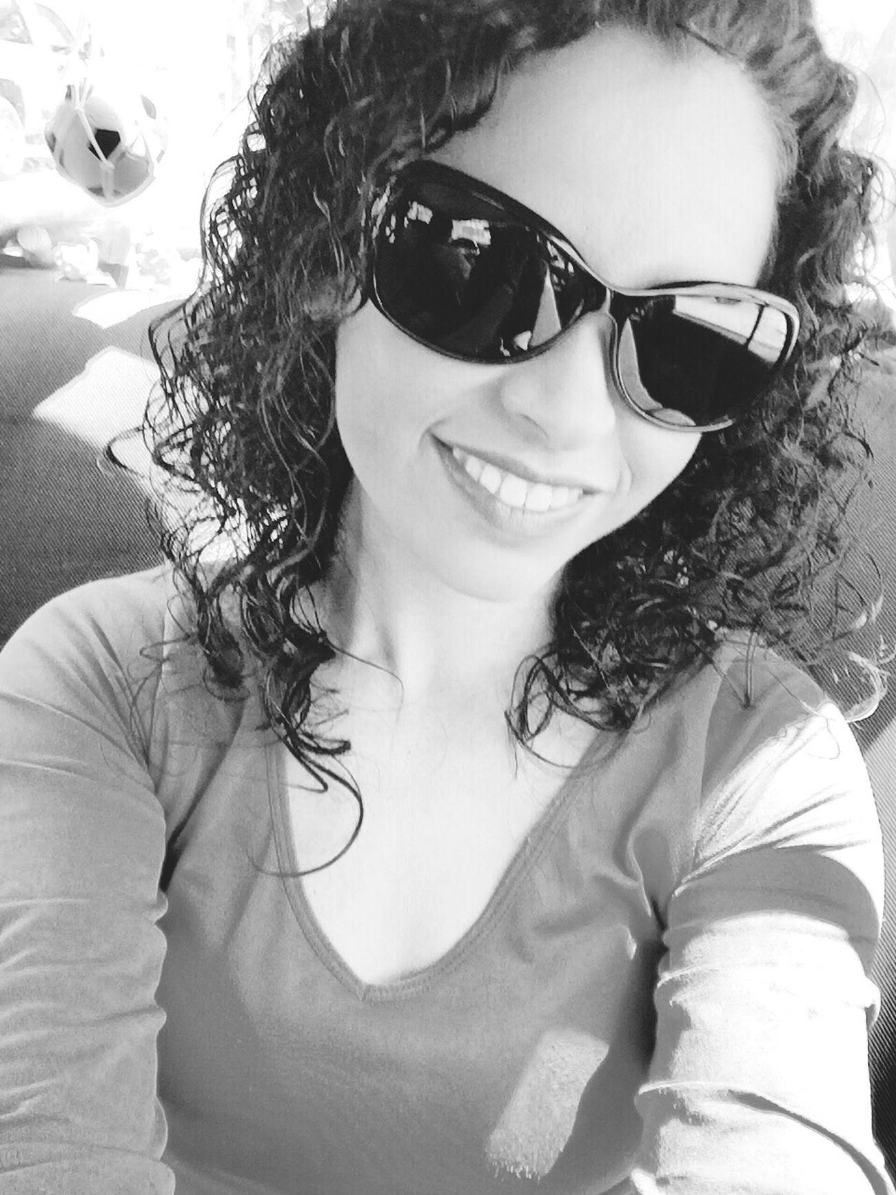 Una Sonrisa Dice Más Que Mil Palabras... Selfie Smilie Xoxo Pretty Curls Love Nostalgia LoveMe KissMe MeAmo. <3