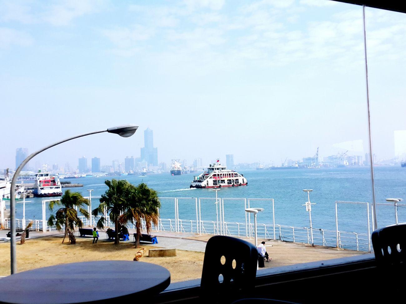 情人節的下午,在高雄西子灣。