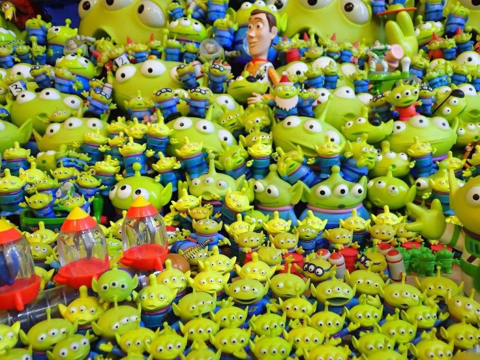 """"""" A L I E N S """" Toystory Full Frame Indoors  Alien Green Color Backgrounds Love To Take Photos ❤ Photo♡ Mook"""