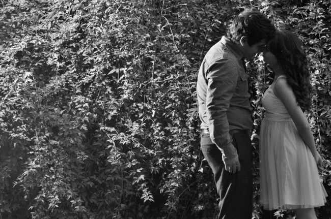 Óscar Fuentes Fotografía Love Boyfriend Couple Nature In A Wall Photoshoot