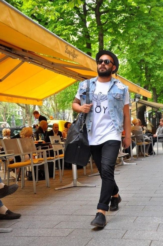 Hey.. EyeEm Nature Lover Blackandwhite Streetstyle Fashion Streetfashion Today's Hot Look Hi! Love Sneakers Style