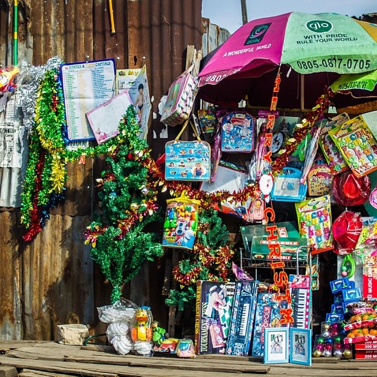 Christmas shops in Lagos . Christmas ChristmasInLagos Lookslikelagos Nigeria streetphotography africa