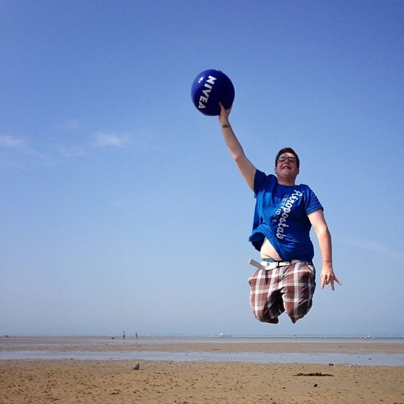 We had great fun on #rydebeach ? flying keith4594 #jump #IsleOfWight #aauk #allshots_ #sea #britishsummer #capture_today #englishchannel #gi_uk #gf_uk #gang_family #ig_england #o2travel #summer #YourTurnBritain #royalisland Capture_today Yourturnbritain Summer Englishchannel Sea Isleofwight Royalisland Jump Rydebeach Gang_family Kewikihighlight_action Britishsummer Allshots_ Gf_uk O2travel Gi_uk Ig_england Aauk