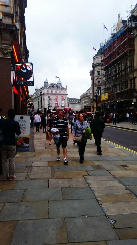 London London <3 ; Disfrutando. Hello World Enjoying Life