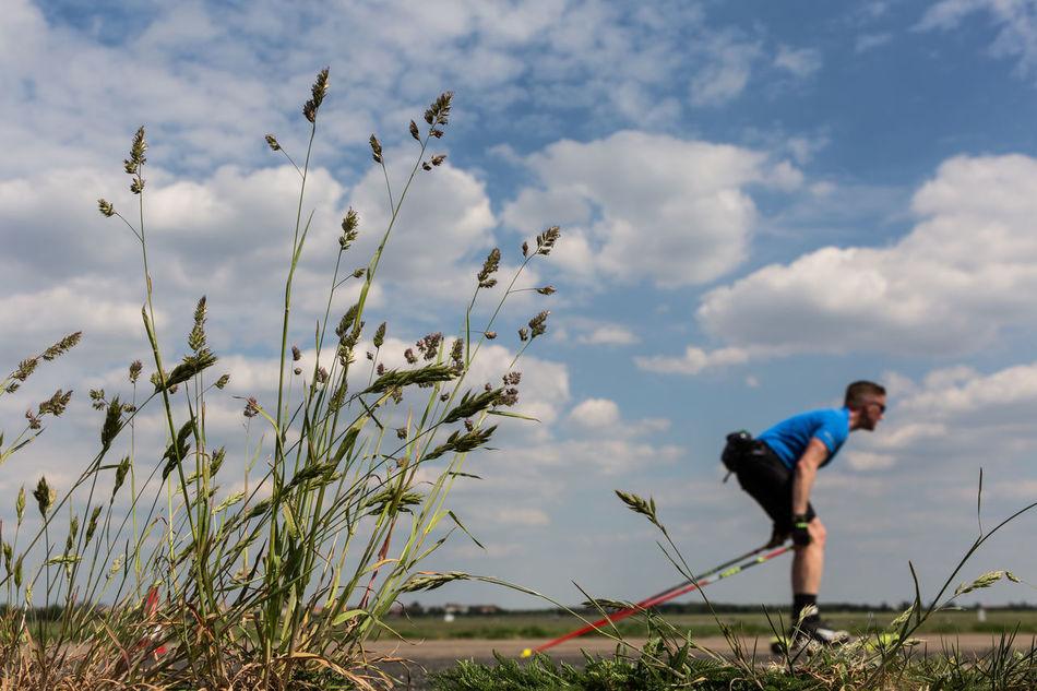 tempelhofer feld Tempelhofer Feld Tempelhof Airport Sport Walking