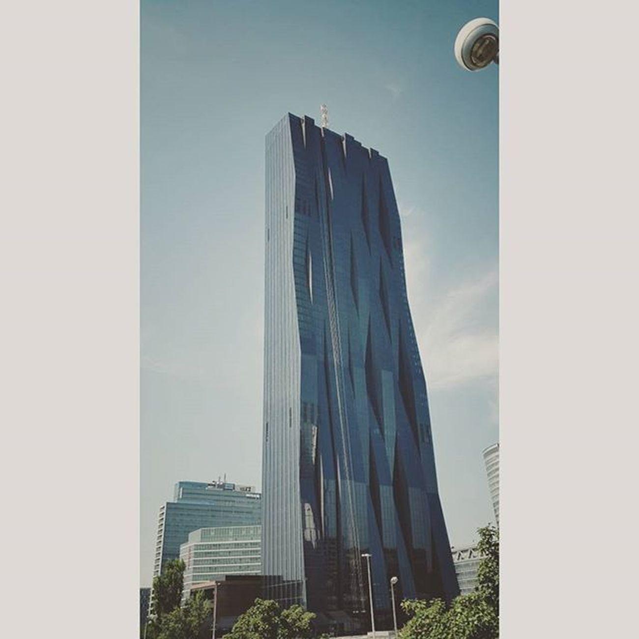Dctower Wolkenkratzer Hochhaus Skycraper blue sky tower clouds city stadt wien samsunggalaxyalpha samsung ;-)