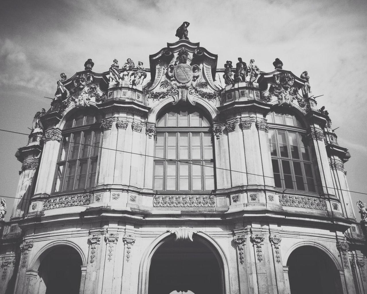 AMPt - Still Life (Nature Morte) Blackandwhite Black And White Building Dresden - Barock Statt Beton Dresden Barock