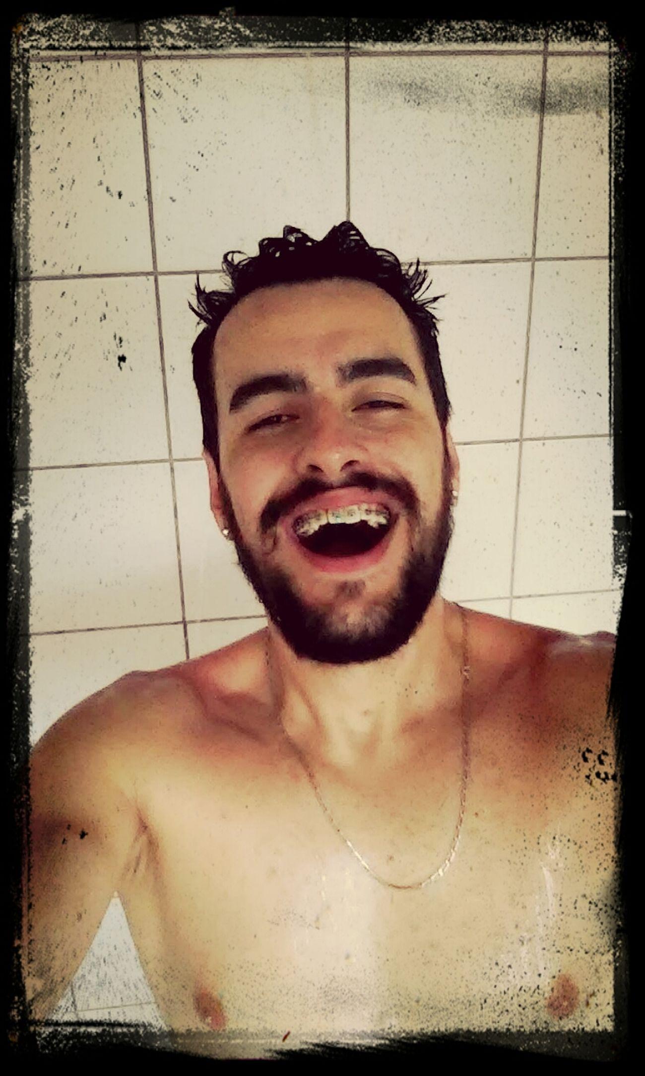A cara de felicidade do gurizinho refrescando.kkk Unisc Bloco42 Relaxing Banho