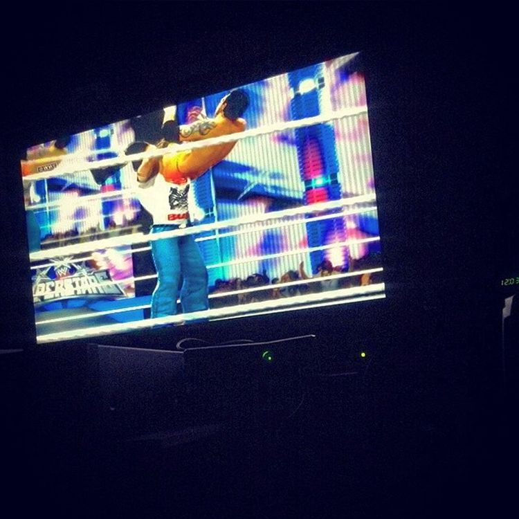 Playing Wwe2k14 on the Xbox360 with the homie @reevezbpt Relaxed amd Koolin