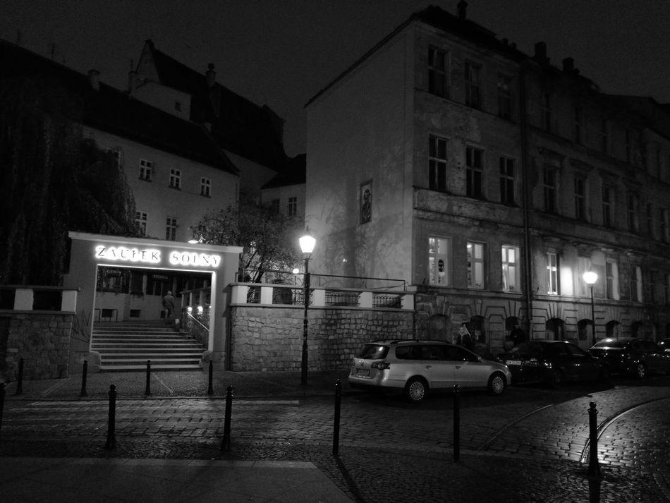 Wroclaw, Poland City At Night Old Town Architecture Black & White Polishphotographer www.tomaszkucharski.com.pl