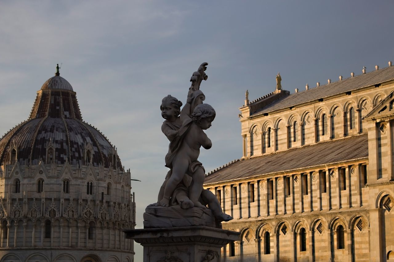 Architecture Building Exterior Built Structure Human Representation Sky Statue Sculpture Low Angle View Shadows & Lights Eyeem Photography Religion Pisa