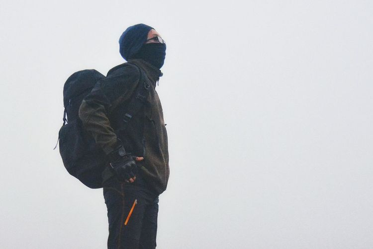 Winter Cold Temperature One Person Warm Clothing One Man Only Adventure Outdoors Mist Mount Freshness Mountain Track Misty Mountains  Misty Morning Landscape Bacpacker Wanderlust Wanderer Beauty In Nature Fog Nature Mountain Mountaineering