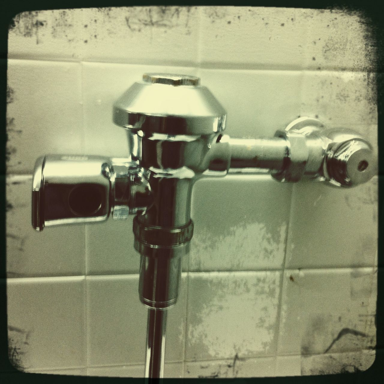 bathroom, domestic bathroom, tap, pipe - tube, close-up, faucet, indoors, connection, hygiene, no people, tile, day, water, shower
