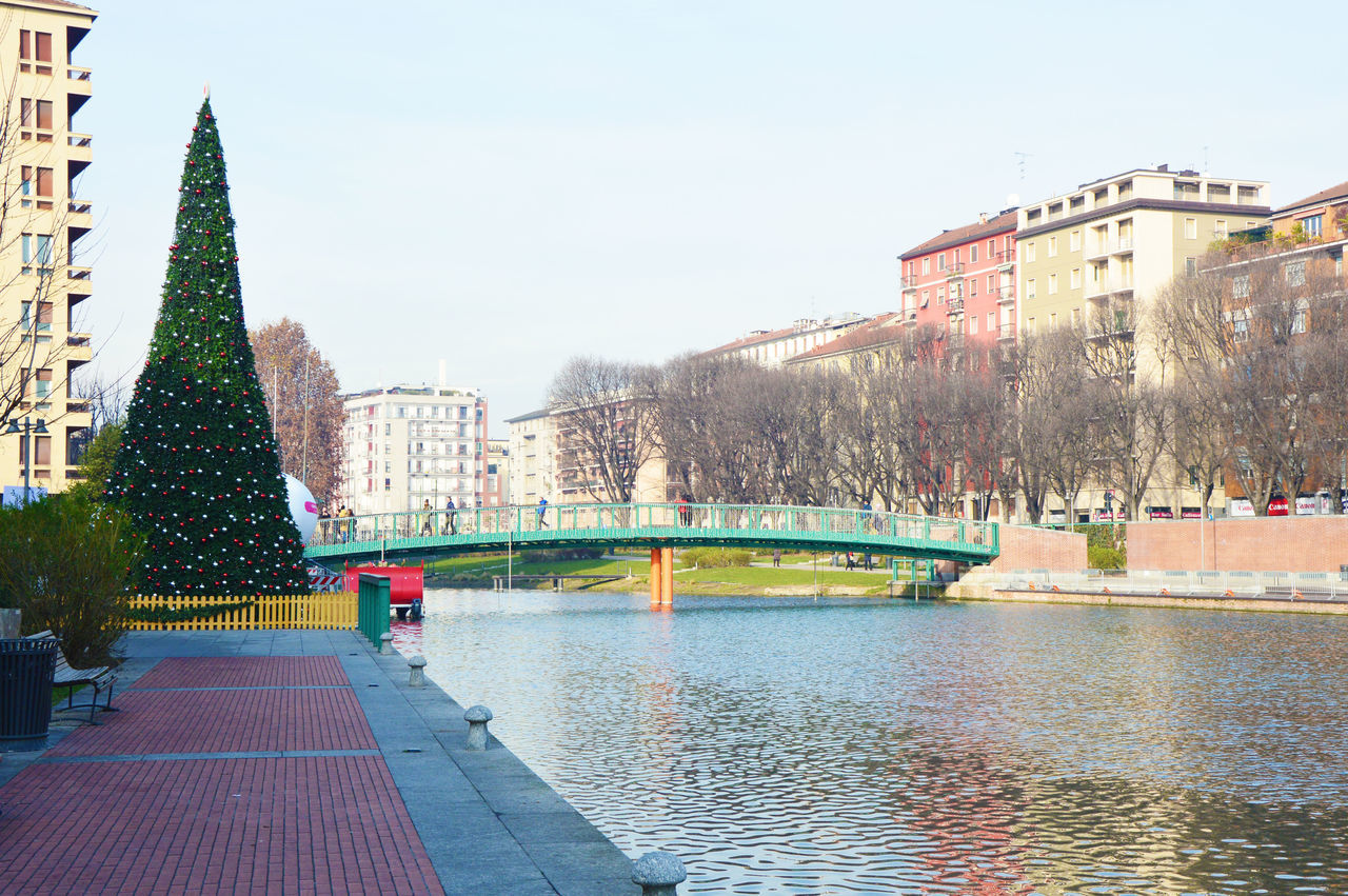 Beautiful stock photos of weihnachtsbaum, building exterior, built structure, architecture, city