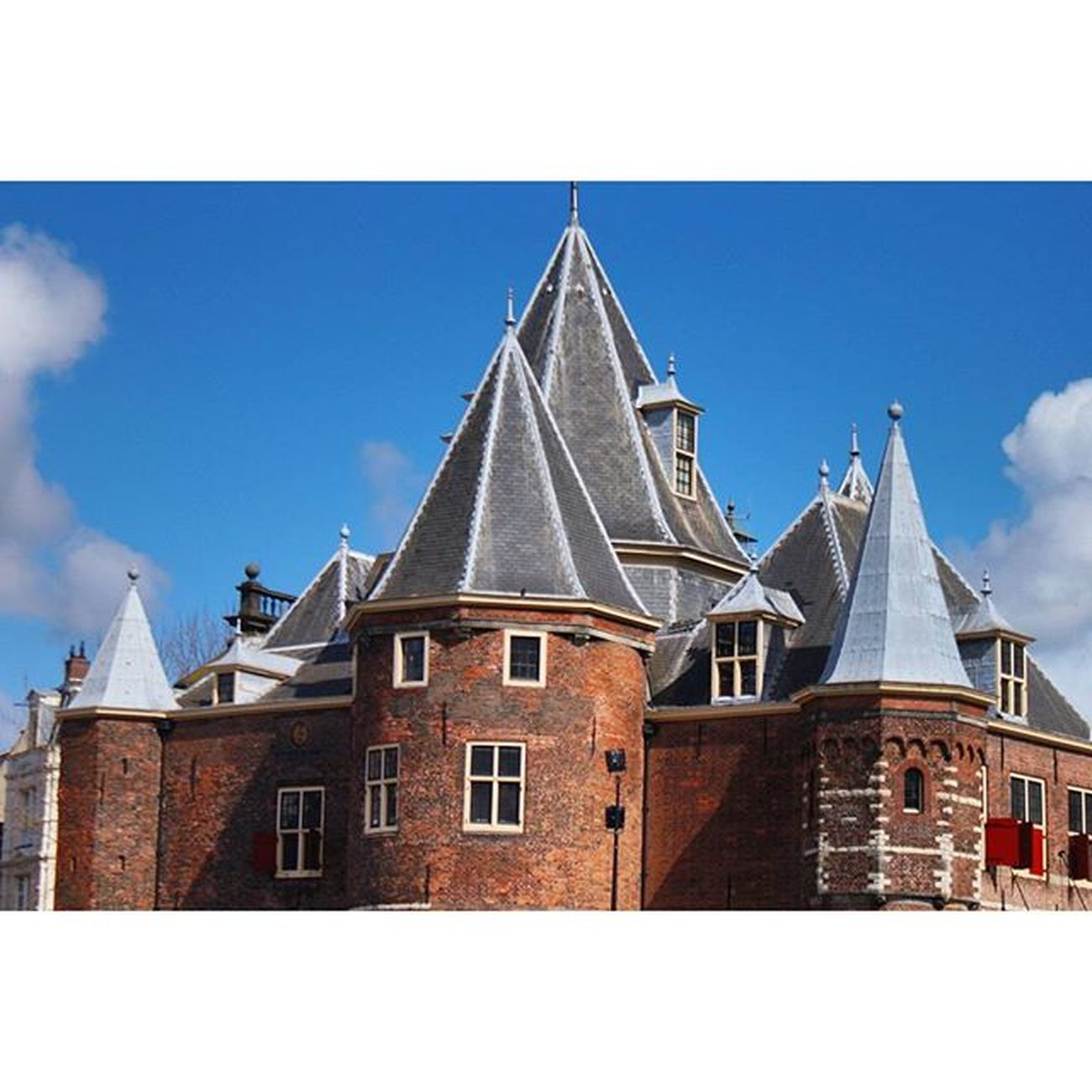 Beautiful Architecture and Design . At the Waag building in NieuwMarkt near the CityCenter centrum. amsterdam holand netherlands niederlande. Taken by my SonyAlpha dslr dslt a57 . تصميم معمار مبنى امستردام هولندا