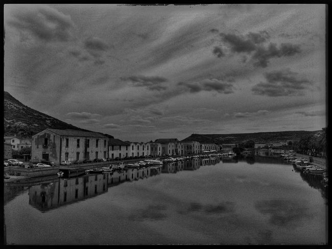 Water Reflections Travelling Water_collection Bw_collection Monochrome Blackandwhite Bw_lover EyeEmbnw EyeEm Best Edits Streetphoto_bw