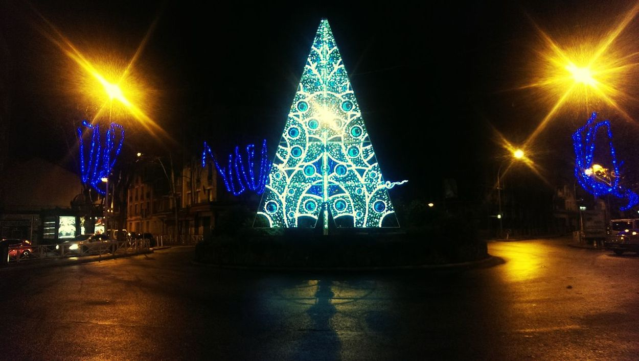 Illuminations de Noël, Sapin lumineux, Christmas Tree Montrouge