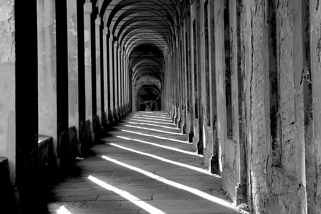 Architectural Column Built Structure Architecture In A Row Colonnade The Way Forward Black&white Blackandwhite Photography Black And White EyeEm Best Shots - Black + White Arch EyeEm Best Shots EyeEm Masterclass EyeEmBestPics Eye4photography  Bw_collection Architecture_collection EyeEm Bnw History